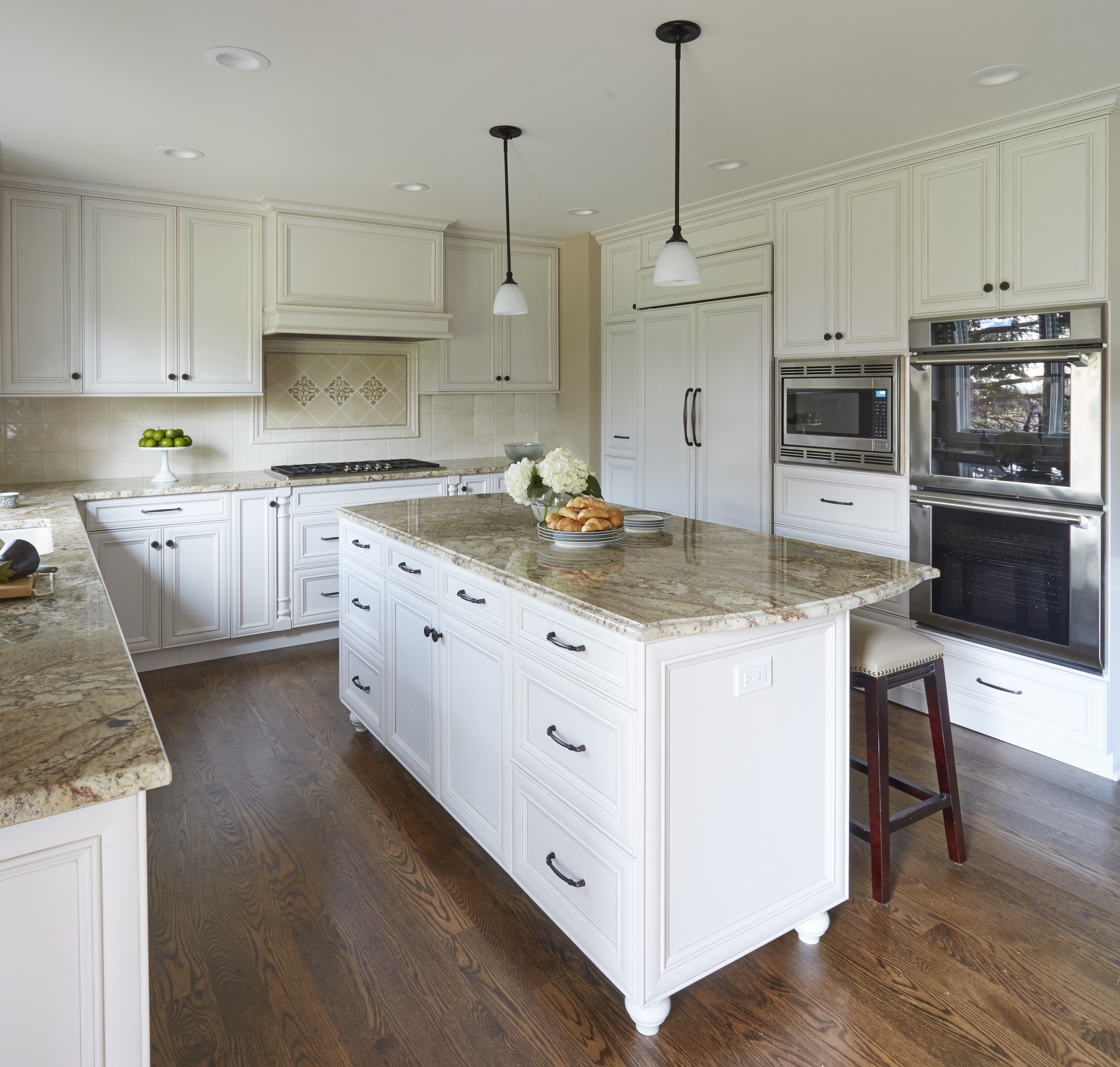 Kitchen remodeling buffalo grove kitchen village for Remodeling your kitchen